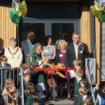 greenwood-cutting-the-ribbon