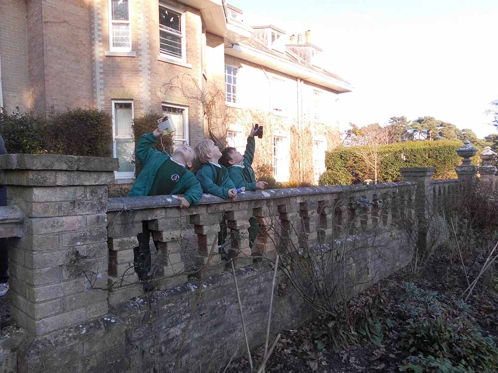 Yarrells-School-RSPB-#BigGardenBirdWatch